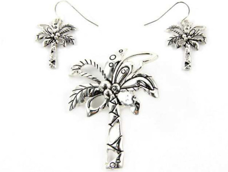 Palm Tree Magnetic Veil Pendant