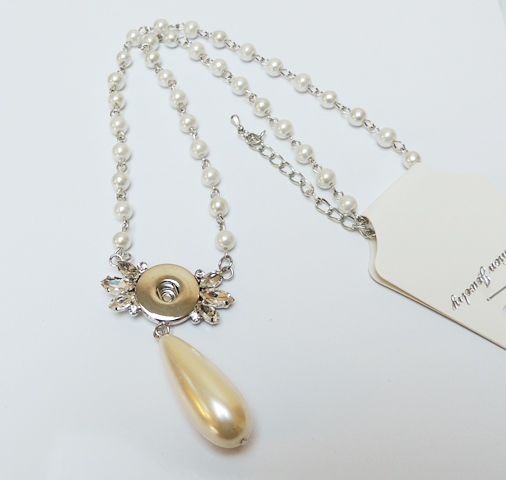Snap Jewelry Pearl Necklace - Pearl & Clear Rhinestone