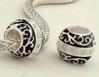 Charm 925 - Enamel Round - Black & Clear with Filigree