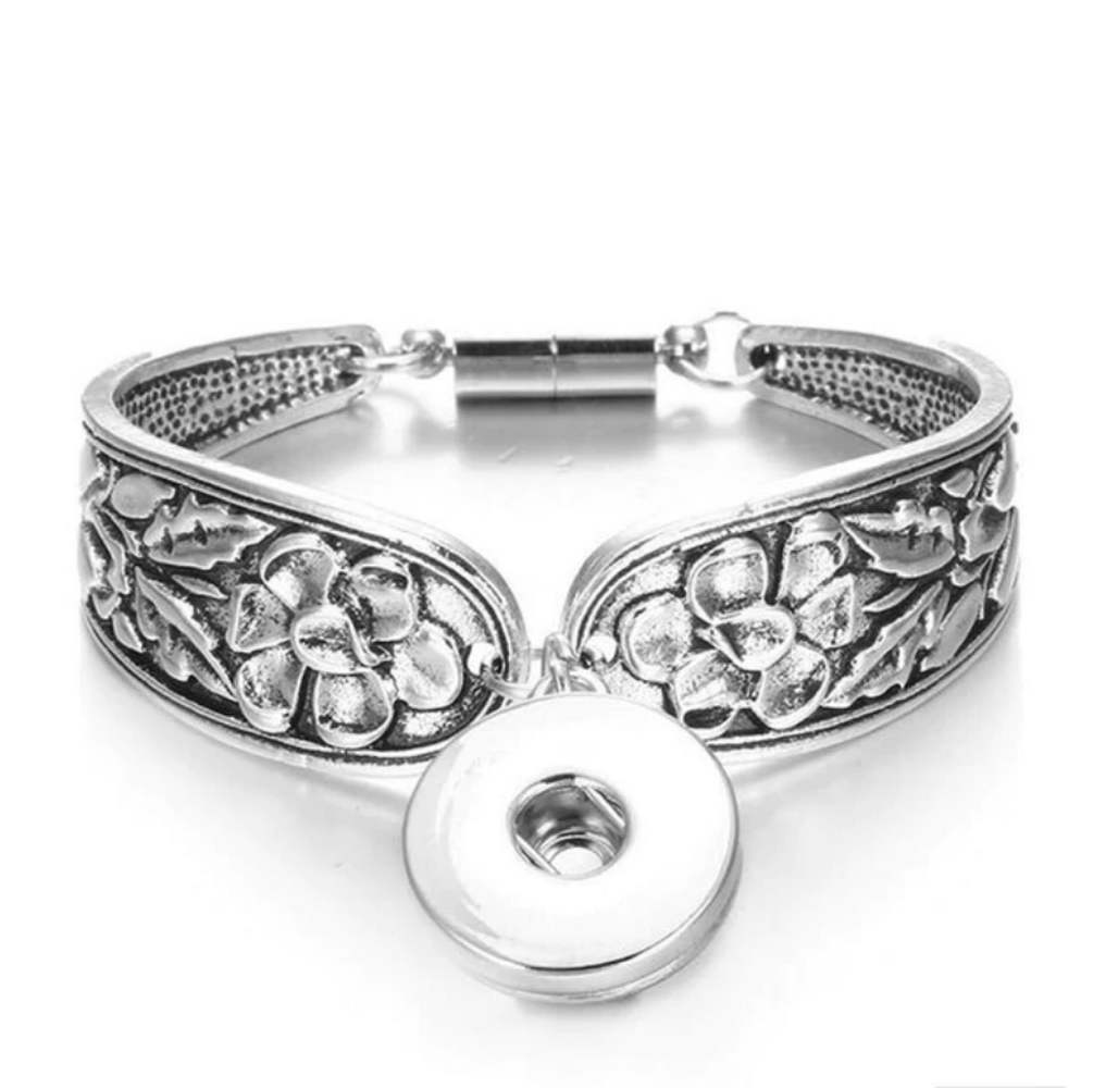 Snap Jewelry Magnetic Bracelet - Silver-Tone Spoon Style