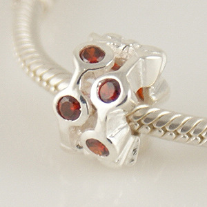 Charm 925 - CZ Stone - Staggared Pods - Red